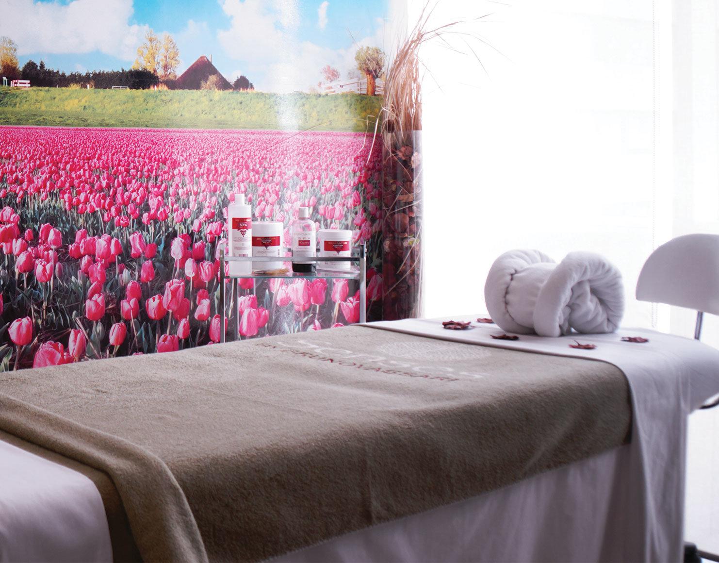 sala de masajes con productos bruno vassari